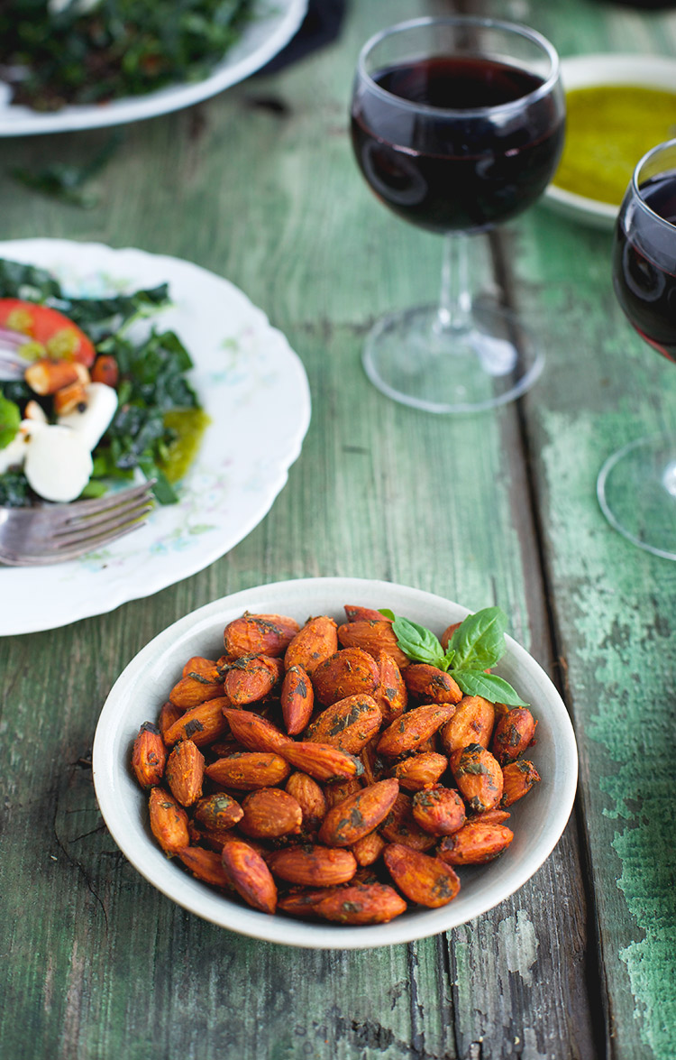 Tomato Basil Almonds