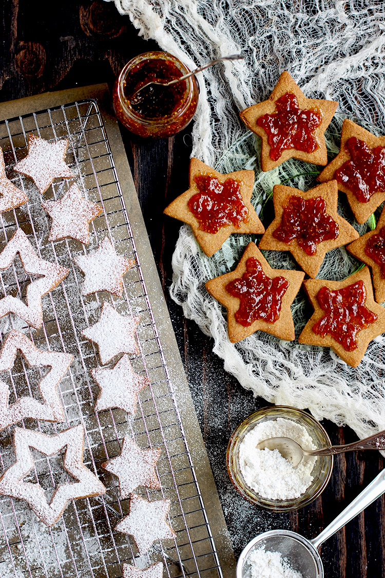 Fig Spiced Linzer Cookies ⋆