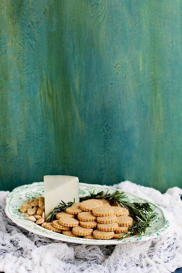 Manchego-Crackers