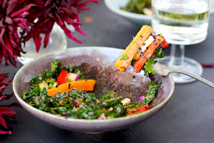 Kale-and-Roasted-Carrot-Salad-with-Roasted-Red-Pepper-Sesame-Vinaigrette
